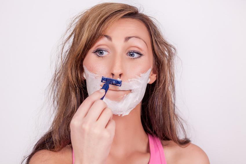 Reduzieren Sie Gesichtsbehaarung bei Frauen